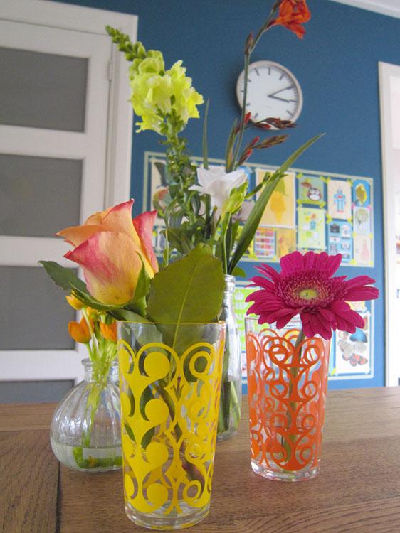 bloempjes op tafel