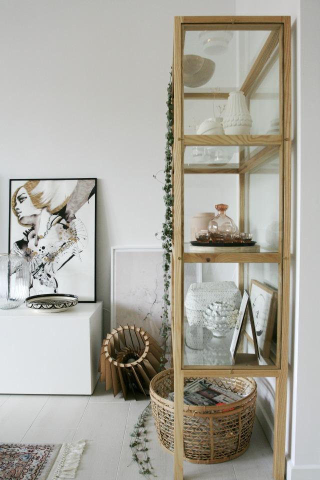 Genoeg Hoe je het beste een vitrinekast in kunt richten - Eenig Wonen &NL64